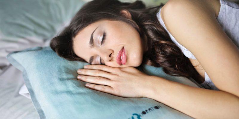 backpain pillow featured image 1 - SleepSharp